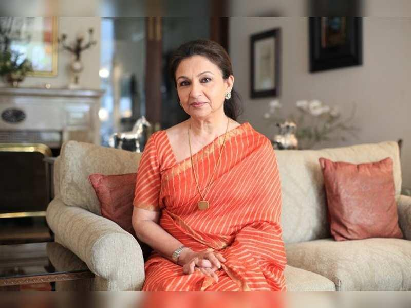'Rules Are Different for Amitabh Bachchan, He Has Directors Calling Him Sir,' Says Sharmila Tagore