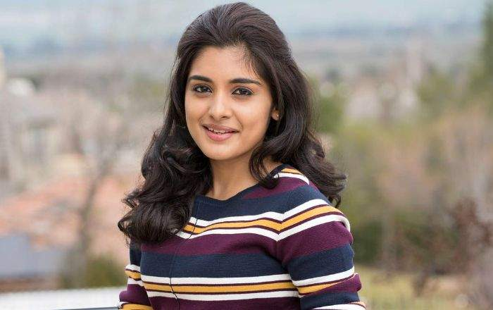 Vakeel Saab Actress Stands In Theater To Feel The Audience Reaction?