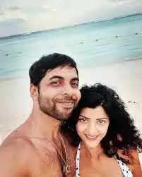 abhishek benerjee and tina noronha